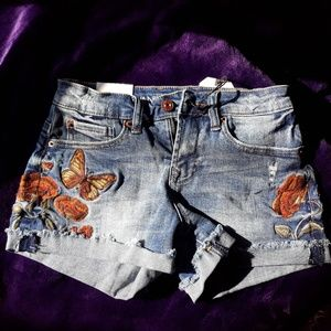 Mid-Rise Shortie Shorts